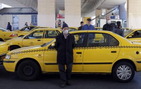Iran khuyến cáo nên ít đi lại và hạn chế sử dụng tiền giấy