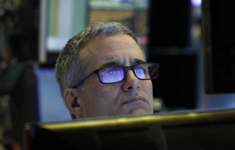 Nỗi lo COVID-19 một lần nữa bóp nghẹt thị trường chứng khoán Mỹ