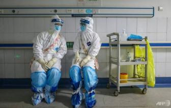 """Các nữ y bác sĩ Trung Quốc tại tuyến đầu phải uống thuốc để tránh ngày """"đèn đỏ"""""""