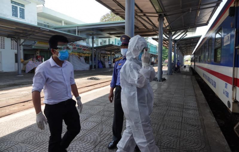 Cắt toa số 10 tàu SE3 để cách ly người nước ngoài đi cùng bệnh nhân thứ 17 nhiễm COVID-19