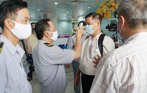 Thứ trưởng Bộ Y tế Nguyễn Trường Sơn: 'Chúng ta không được để mất một nhân viên y tế nào'
