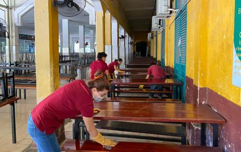 TPHCM đổi lịch phút chót, học sinh 12 tiếp tục nghỉ thêm một tuần tránh COVID-19