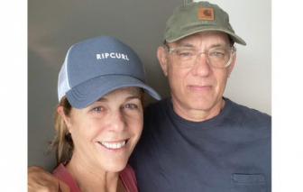 Mắc COVID-19, vợ chồng Tom Hanks hiện ra sao?