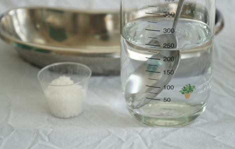Bác sĩ hướng dẫn làm nước súc miệng tại nhà rất đơn giản trước mùa dịch COVID-19