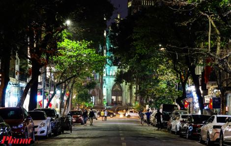 Khách du lịch nước ngoài loay hoay tìm chỗ giải trí khi Hà Nội đóng cửa quán bar, vũ trường...