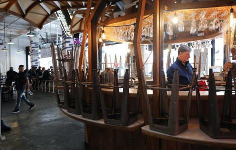Bang California kêu gọi đóng cửa quán bar, hộp đêm để ngăn dịch COVID-19