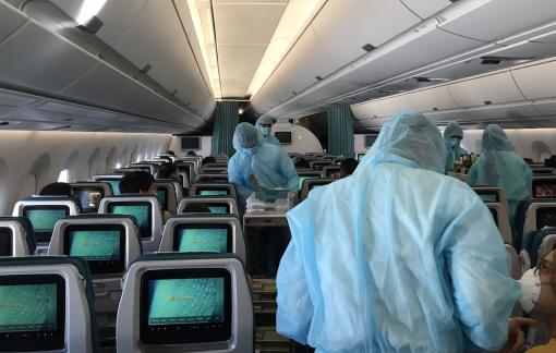 Nhiễm COVID-19 nhưng không khai báo khi lên máy bay có thể bị cấm bay vĩnh viễn