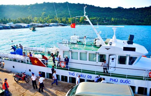 Kiên Giang họp khẩn, kiến nghị Phú Quốc dừng đón khách nước ngoài sau khi trên đảo có người nhiễm COVID-19
