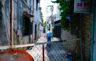 TPHCM: Phong tỏa 2 khu phố, một block chung cư có liên quan đến 3 ca nhiễm COVID-19 mới
