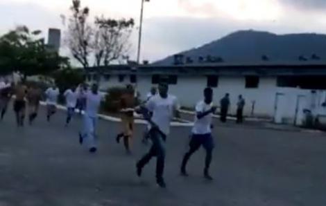 Hàng trăm tù nhân Brazil trốn ngục trước khi nhà tù bị phong tỏa vì COVID-19