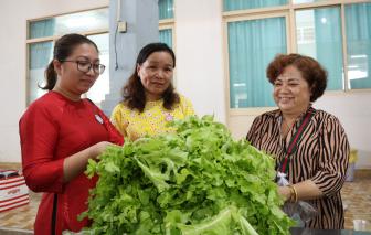 Hỗ trợ vốn cho 200 phụ nữ phát triển kinh doanh