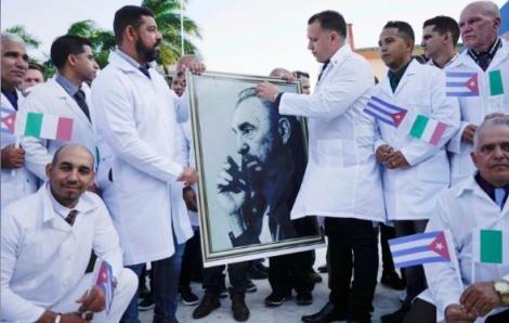 Bác sĩ Cuba đến Ý hỗ trợ chống dịch COVID-19