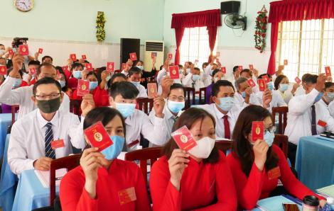 Cùng bàn giải pháp phát triển kinh tế giữa mùa dịch bệnh