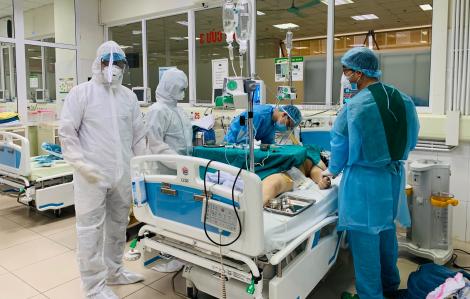 Có 3 bệnh nhân nhiễm COVID-19 tình trạng rất nặng, 8 ca khác diễn biến nặng
