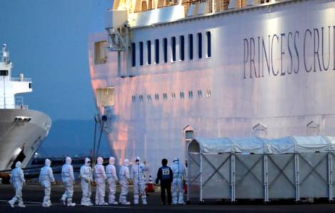 """Coronavirus """"sống sót"""" trong cabin tàu Diamond Princess đến 17 ngày"""