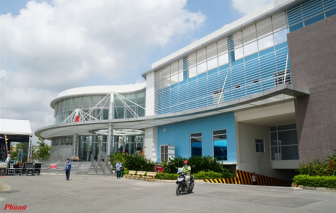 Đi đám tang, giám đốc và 52 y bác sĩ cách ly, bệnh viện Bình Chánh phải điều hành trực tuyến