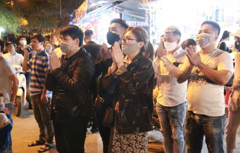 Chủ tịch Hà Nội yêu cầu hạn chế tập trung đông người