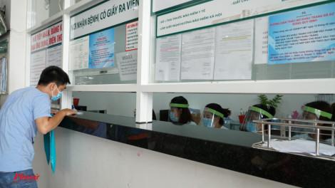 Nhiều bệnh viện làm kính bảo hộ, may khẩu trang để bảo vệ nhân viên y tế