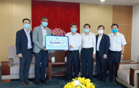 Tặng 10.000 bánh xà phòng cho công nhân phòng chống dịch COVID-19