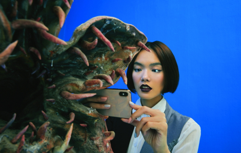 """Nghệ sĩ Dzũng Yoko: """"Phần đông, con người hiện đại quá phụ thuộc vào công nghệ"""""""