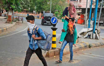 Di cư hàng loạt đe dọa nỗ lực ngăn chặn dịch COVID-19 tại Ấn Độ