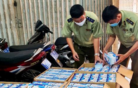 Tạm giữ hơn 22.000 khẩu trang vô chủ ở giáp biên giới Campuchia