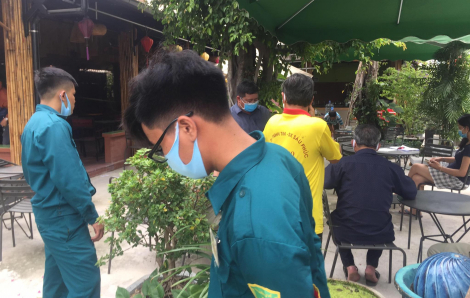 Thanh niên mặc áo Grab rút súng bắn người tại quán cà phê ở Bình Dương