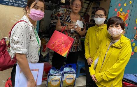 Mùa dịch bệnh, thăm hỏi các hộ nghèo
