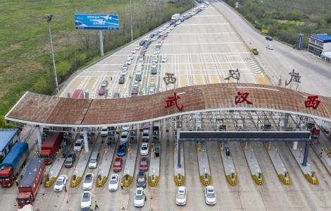 Vũ Hán dỡ bỏ một phần lệnh phong tỏa sau 2 tháng chống dịch