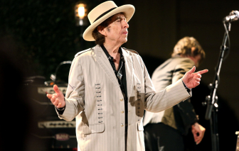 Ca sĩ Bob Dylan tái xuất sau 8 năm, ra mắt ca khúc về Kennedy