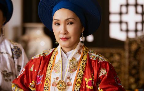 """""""Phượng khấu"""": Cuộc trình diễn tệ hại về sử Việt, văn hóa Việt"""