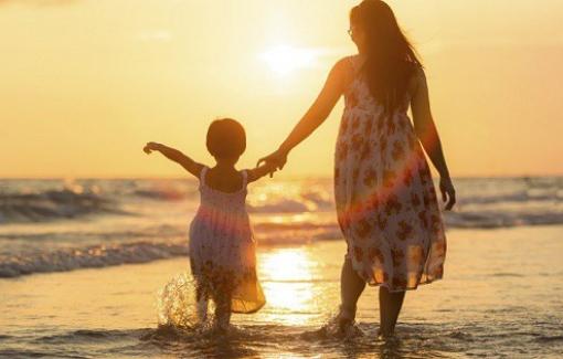 Dấu mốc cuộc đời: Mẹ từng nghĩ mang thai con là sự cố cuộc đời...
