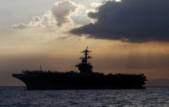 """Mỹ """"sơ tán"""" thủy thủ khi COVID-19 bùng phát trên tàu sân bay USS Theodore Roosevelt"""