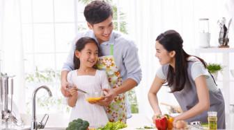 Tận dụng những ngày cách ly xã hội để dạy chồng, dạy con