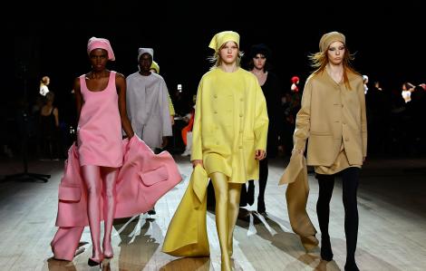 Dịch COVID-19 khiến ngành công nghiệp thời trang Bắc Mỹ rung chuyển