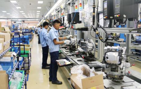 Điều kiện nào để doanh nghiệp được vay lãi suất không đồng để trả lương cho công nhân?