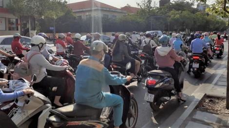 Người Sài Gòn kéo nhau về quê dịp cuối tuần, bất chấp yêu cầu cách ly toàn xã hội