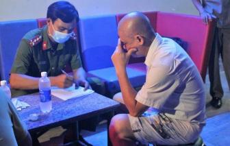 """Rút giấy phép quán karaoke mở cửa cho 11 thanh niên """"bay lắc"""" giữa dịch COVID-19"""