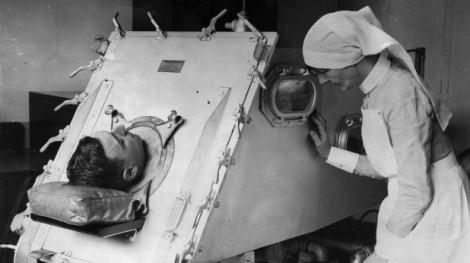 Máy thở đầu tiên trên thế giới ra đời như thế nào?