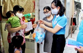 Nữ công nhân và nỗi niềm mùa đại dịch