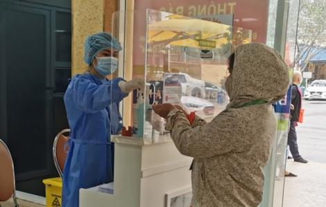 26 F1 tiếp xúc với bệnh nhân 243 tại Bệnh viện Phụ sản Hà Nội đã âm tính lần 1