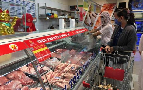 Siêu thị đồng loạt giảm giá thịt heo, thực phẩm thiết yếu