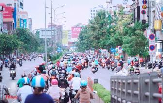 Sài Gòn đông đúc hơn sau một tuần cách ly xã hội