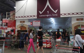 Thái Lan cấm bán rượu để kiềm chế dịch COVID-19