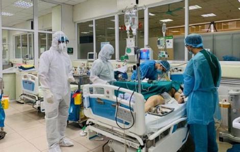 Bệnh nhân thứ 251 tại Hà Nam phải chuyển lên Hà Nội vì diễn tiến nặng