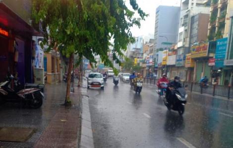 Sài Gòn mưa liên tiếp nhưng mùa khô sẽ kéo dài