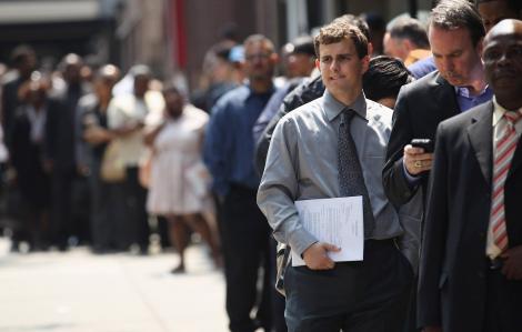 Chỉ 3 tuần, 1/10 công nhân Mỹ mất việc vì COVID-19