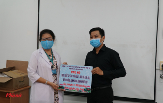 Tặng 1.000 suất ăn dinh dưỡng cho đội ngũ y, bác sĩ Bệnh viện Bệnh nhiệt đới