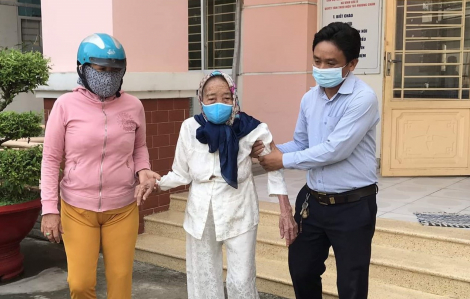 Mẹ Việt Nam Anh hùng và 8 triệu đồng chống dịch