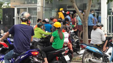 Thủ tướng Nguyễn Xuân Phúc: Tiếp tục thực hiện nghiêm cách ly toàn xã hội, không lơi lỏng chủ quan